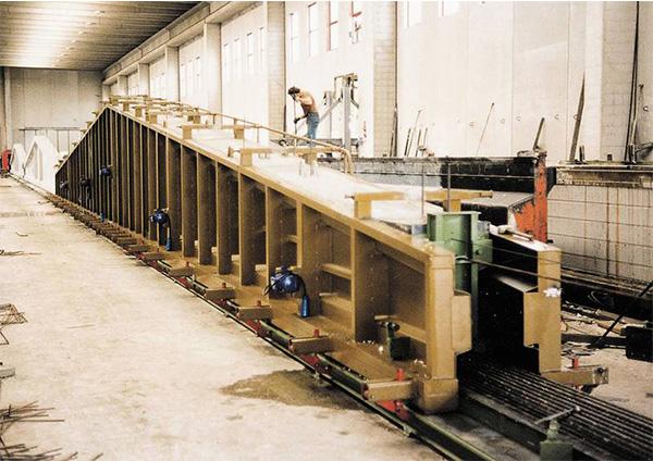 Vibrationsmotor im Bauwesen: Form vorgefertigter Balken
